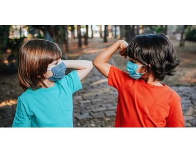کرونای دلتا کودکان را هم درگیر میکند+ والدین این علائم را جدی بگیرند
